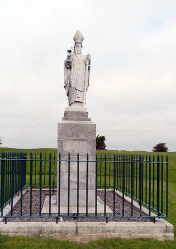 Monumento estatua de St. Patrick Iglesia de San Patricio Colina de Tara Republica de Irlanda