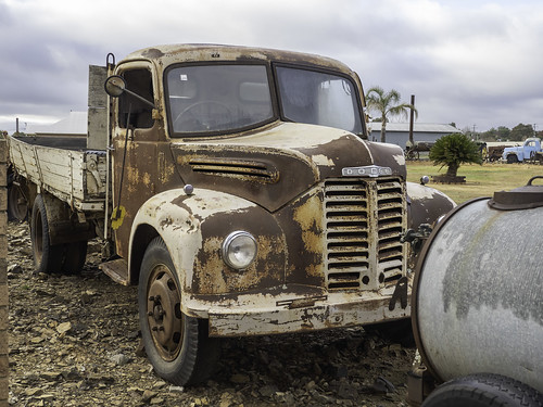Rusty, Rusted and Rusting Old Relics at Cowra Towing - see below