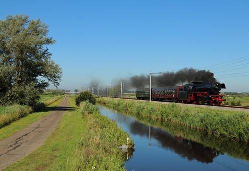 SSN 23 023 met trein 39384