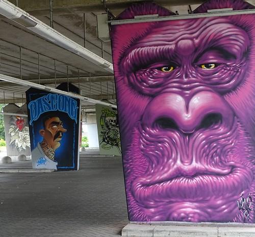 Het Zuilenkabinet Boshoverbrug Weert graffiti, artist Lélé (FR)