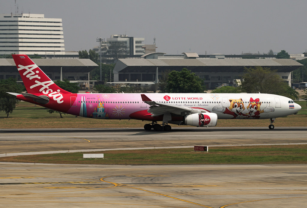 Thai AirAsia X Airbus A330-343 HS-XTD Lotte World livery
