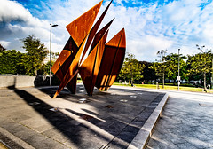 THE QUINCENTENNIAL SAILS SCULPTURE AT EYRE SQUARE IN GALWAY [ARTIST - EAMONN O'DOHERTY]-154322