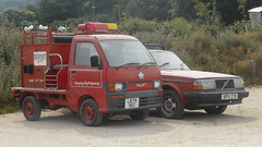 Daihatsu Hijet (1994) & Volvo 240 (1981)