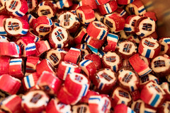 Danish hard candy with a Norway flag design