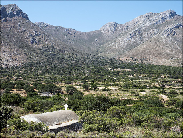 A chapel on the walk down to Agio Antoni