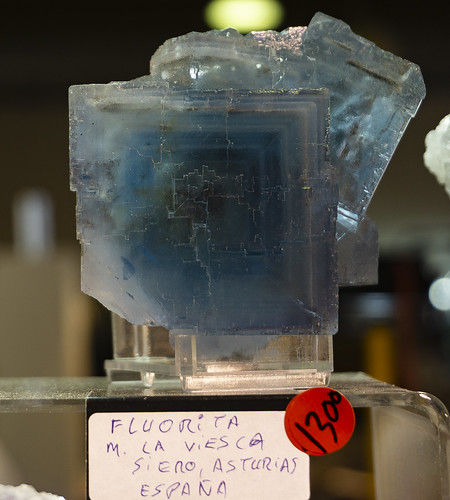 Growth zoned fluorite from la Viesca, Spain