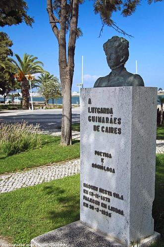 Monumento a Lutgarda Guimarães de Caires - Vila Real de Santo António - Portugal 🇵🇹