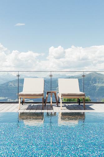 Infinity Outdoor Pool