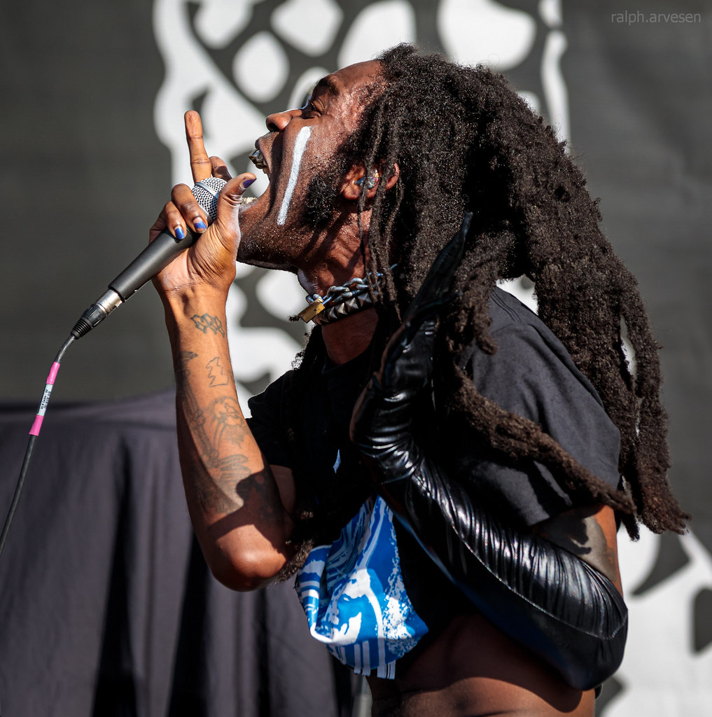 Ho99o9 | Texas Review | Ralph Arvesen
