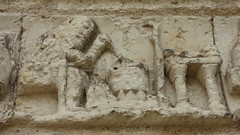 Aubterre - church of St Jacques, facade, frieze (3) - Photo of Saint-Avit