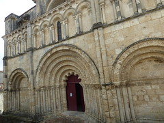 Aubterre - church of St Jacques, facade - Photo of Saint-Avit