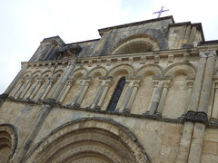 Aubterre - church of St Jacques, facade (2)