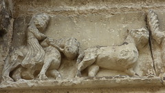 Aubterre - church of St Jacques, facade, frieze (6) - Photo of Saint-Avit