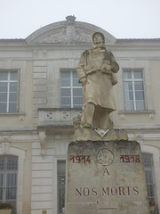 Villebois - war memorial - Photo of Édon