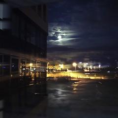 Der Mond schaut zu