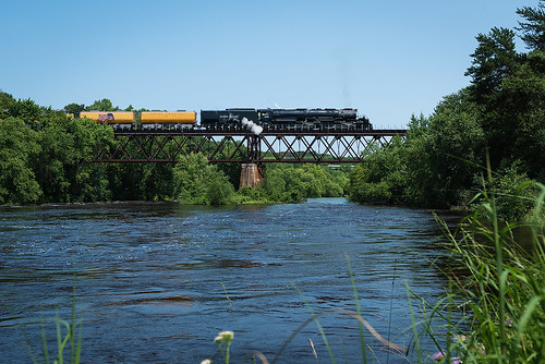 UP 4014 over the Eau Claire River