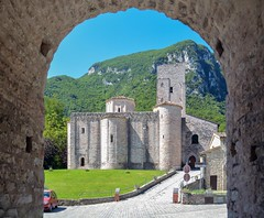 San Vittore e Frasassi
