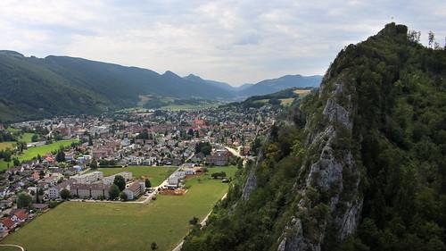 Ausblick von der Burgruine Neu-Falkenstein ins Balsthal