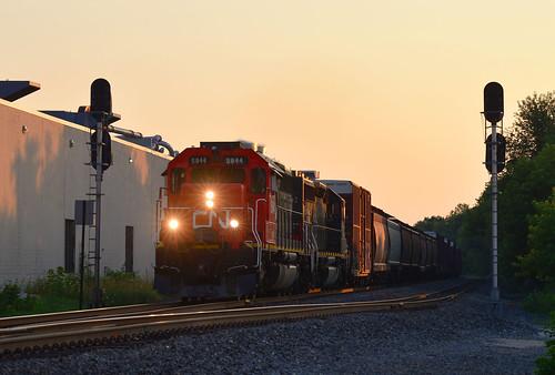 CN GTW 5944 - 7/19/2016