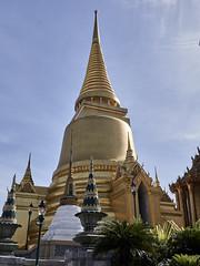 Estupa en el Templo del Buda de Esmeralda (Wat Phra Kaew), Bangkok, Tailandia