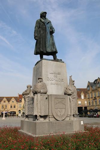 Statue Lieu-Gen Jacques, Diksmuide, 23rd June 2019 (RAB24209)