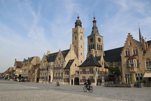 Grote Markt, Diksmuide, 23rd June 2019 (RAB24214)