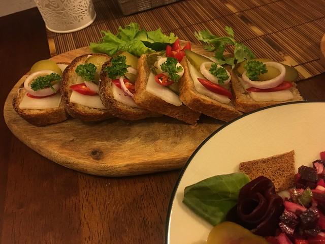 190727 醃燻豬油麵包@俄羅斯餐館