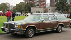 Ford Country Squire 1979