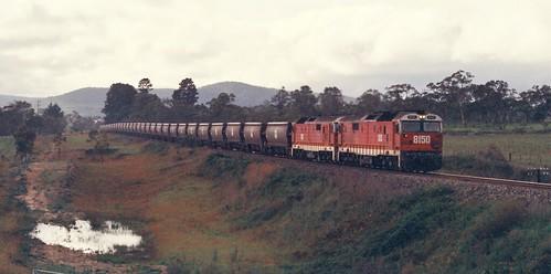 126-11 1992-02-15 8150 and 8162 on KBxx at Wallerawang