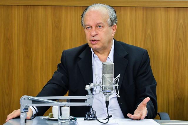 """Ex-ministro da Educação critica """"Future-se"""" e diz que Bolsonaro vê ensino como ameaça"""