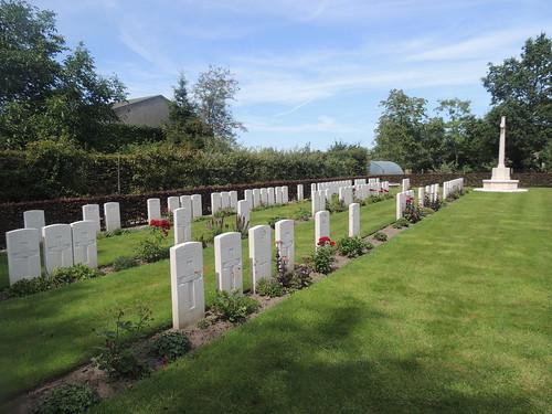 DSCN2338 Railway Chateau Cemetery, Ypres