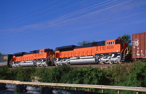 BNSF 9330, 9331 on WSOR - 8/12/2006