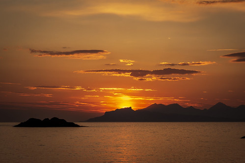 Island sunset - Explore 010819