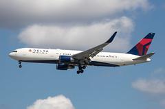 EGLL - Boeing 767-324ER(WL) - Delta Air Lines - N394DL