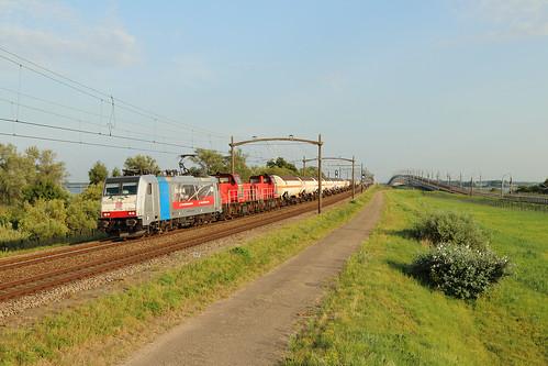 DBC 186 256 + 6508 + 6513 met trein 44610