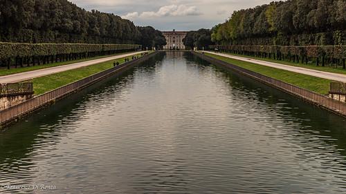 Viale Reggia di Caserta vista sul palazzo Reale 3.)1904-4206