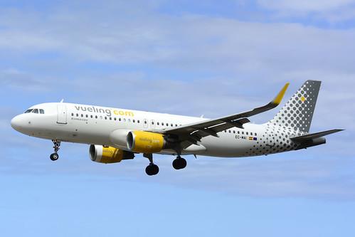 EC-MAI A320-214 cn 6045 Vueling 160528 La Palma 1001