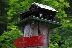 Die kleine Hütte auf dem Špik Wegweiser