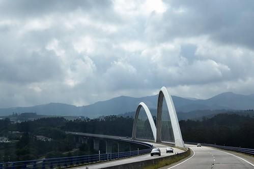 Arcos en la autopista (Asturias, España, 14-6-2019)