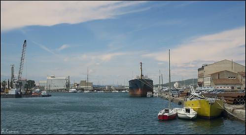 Calma en el puerto.