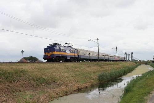 RXP 1251 met gescheldschap trein en FT 1304 te Julianadorp - Kooypunt
