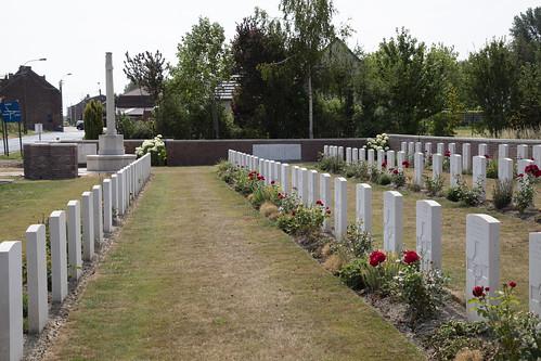 Motor Car Corner Cemetery Ploegsteert