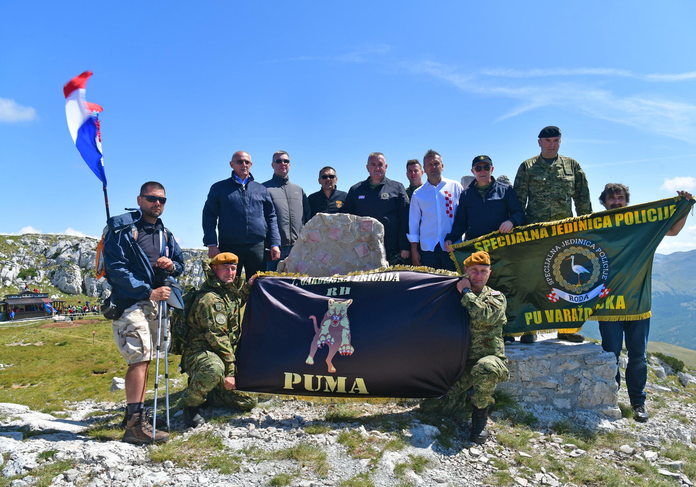 Uoči Oluje na Dinari otkriven spomenik hrvatskim braniteljima