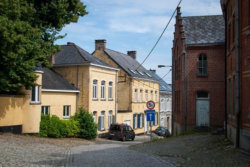 Court-Saint-Étienne