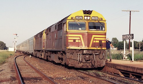 128-9 1992-02-16 8028 and 8021 on WL-2 at Bogan Gate