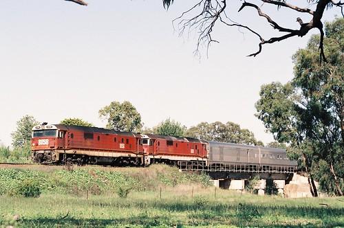 129-8 1992-02-16 8158 and 8178 on WL-2 at Manildra