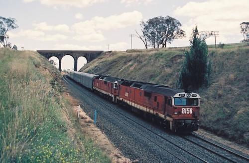129-32 1992-02-16 8158 and 8178 on WL-2 at Wambool