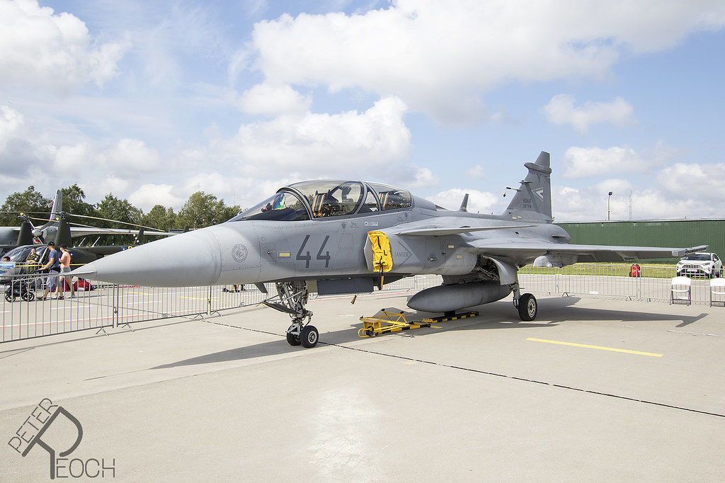 44 / Hungarian Air Force / SAAB JAS-39D Gripen - Download