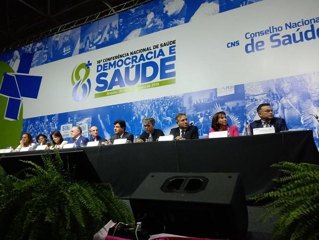 Por cerca de uma hora ministro da Saúde e sua equipe recebeu vaias da plenária da 16ª Conferência Nacional - Créditos: Foto: Setorial de Saúde do PT