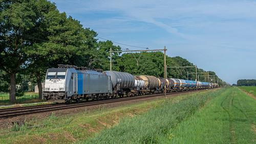 Griendtsveen Lineas 186 299 met keteltrein